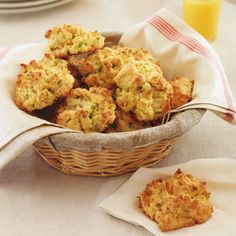 Lily Lemontree: In the Charming Kitchen: Giada De Laurentiis' Parmesan Biscuits