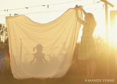 Cute mommy and daughter photo idea / mandy lynne