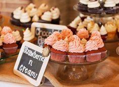 A strawberries-n-cream wedding in Charleston South Carolina! Congratulations Christan #charlestonsc #weddingcupcakes #cupcakedownsouth