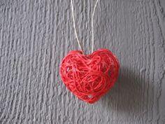 heart string art necklace by craft klatch