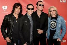 STP hitting the road with tier new singer-Chester Bennington.
