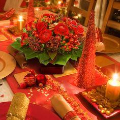 Christmas ideas on pinterest 660 pins - Decoration table de noel rouge et or ...