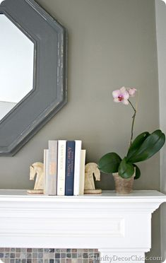 Tips on how to decorate a #mantel