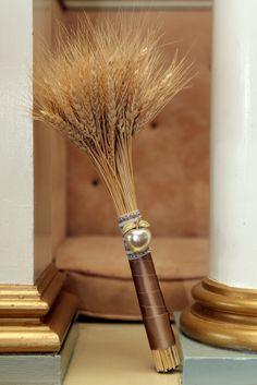 wheat boquet from @Ashley Walters Fox ( My sister Meghan) Lol