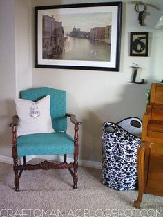 Turquoise chair.