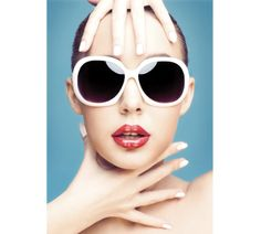 How to Choose Sunglasses to Flatter Your Face by Amna Hashmi, tribune.com.pk #Sunglasses #Frames