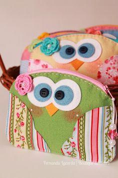 Necessaires Corujinha em Feltro e Tecido! diy bags, purse sewing ideas, owl bag, corujas de tecido