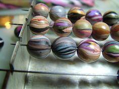 clays, ami bee, tutorials, bees, clay beads, stripe bead, polym clay, bee design, bead tutori