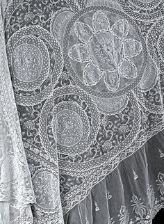 antique normandy lace bedspread detail