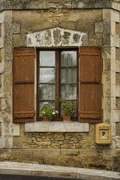 charming french window (photo by Amanda White)