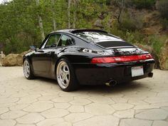 Perfect black Porsche 993 Carrera 2