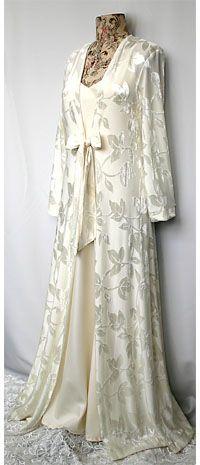 beautiful vintage nightdress/ wrap set