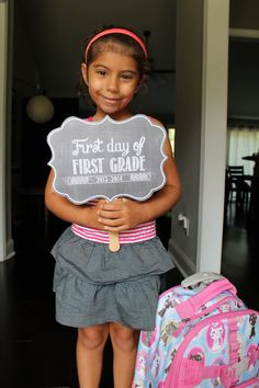 Free Back to School Printables- First Day of School Signs | OhSoPrintable