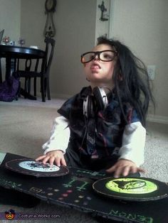 DIY Baby DJ Skrillz Halloween costume