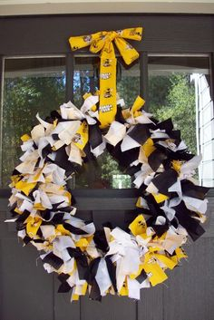 Georgia Tech ribbon wreath. This looks like it could be a simple DIY project.