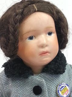 """Antique Wood Schoenhut Doll Pouty Intaglio Eyes Extra Clothes Closed Mouth 16"""" 