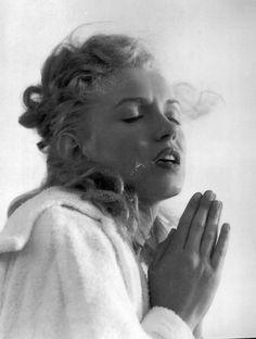 Andre de Dienes: Marilyn Monroe, June 1949.