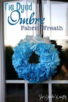 She's {kinda} Crafty: Tie Dye {Ombre} Wreath