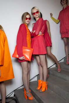 Colour blocking..  pop orange is the hottest this summer! #MallyTrends
