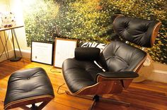 """Restoring a Vintage """"Eames"""" Lounge Chair and Ottoman 