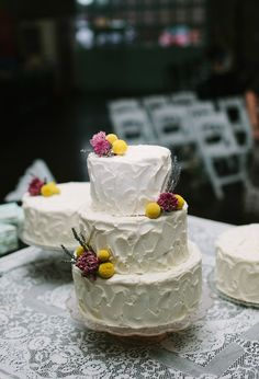 Cute simple country wedding cake