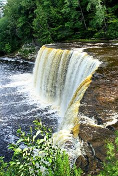 Taquamenon Falls, Michigan. Been there! Done that!    (Mena  =)