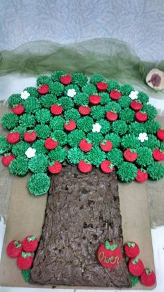 Family tree cake for Danielles baby shower ~ HOW CUTE TANYA!!!!