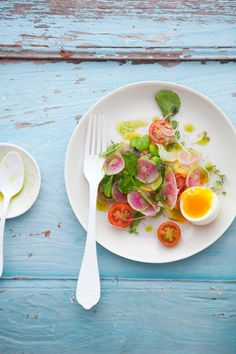 watermelon radish and tomato salad