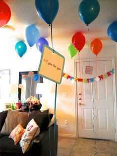 25 Things I love about you on 25 balloons. 25th Birthday. Birthday idea for your significant other (or kid).  Amount of balloons depends on their age.