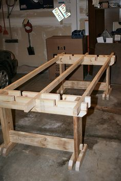 Super Saw-Horse Panel-Cutting Table!