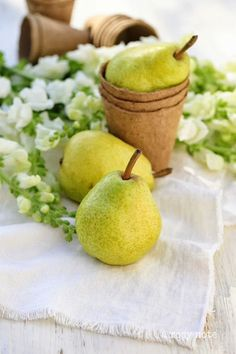 Pears - grouped #springforpears #usapears