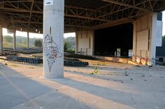 Abandoned music amphitheater photos: Polaris Amphitheater, post-mortem