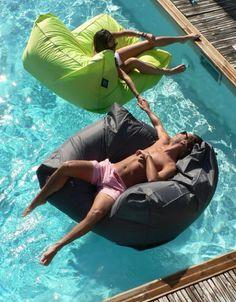 Sit in Pool Sofa