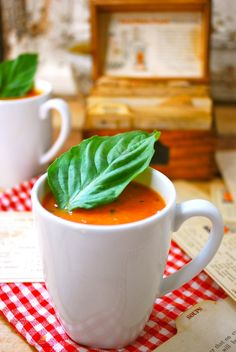Roasted Tomato Soup made with fresh tomatoes | threebeansonastring.com #vegan #primal #paleo #vegetarian #cleanrecipes #fitfood #healthy #eatlocal #eatfresh #tomatosoup