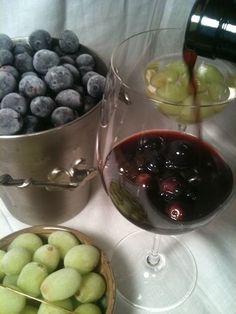 frozen grapes = ice cubes for wine @Brittany Horton Horton Celeste