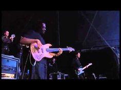 TOM JONES - concert live in Cardiff Castle