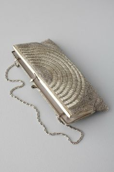 love this clutch.