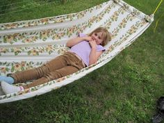 diy hammock .....I'm so doing this!