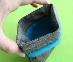 Adorable little snap open coin purse using tape measures! From Schlosser Designs