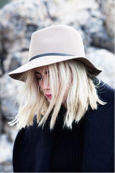 uber blonde + hat