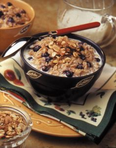 Berry Almond Crumble Oatmeal - Recipe | http://www.quakeroats.com/