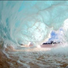 A beautiful wave in Hawaii by photographer Clark Little.