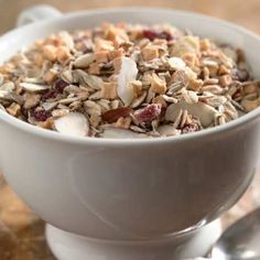 Vermont Mountain Muesli – Made from oat, wheat and rye flakes; sliced almonds, dried cranberries, dried apples and sweetened pumpkin seeds.