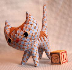 Pointy Kitty - Free Sewing Pattern