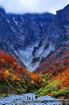 "✮ Autumn of ""the Devil Mountain"" - Chi-no-Kurasawa, Tanigawadake, Japan."