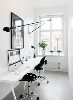 Window Home Office inspirations, light and air, with narrow desk for small space