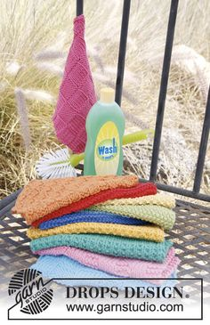 Knitted DROPS kitchen cloths