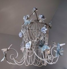 Chandelier from a tomato cage http://somedaycrafts.blogspot.com/2011/08/faux-beaded-chandelier.html?utm_source=feedburner_medium=email_campaign=Feed%3A+SomedayCrafts+%28Someday+Crafts%29