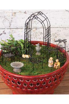 Mini Garden Party.