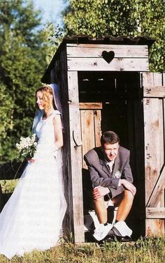 Best Of, Funny Wedding Pictures – 32 Pics -- hahah this picture is so realistic !!! Oh my!